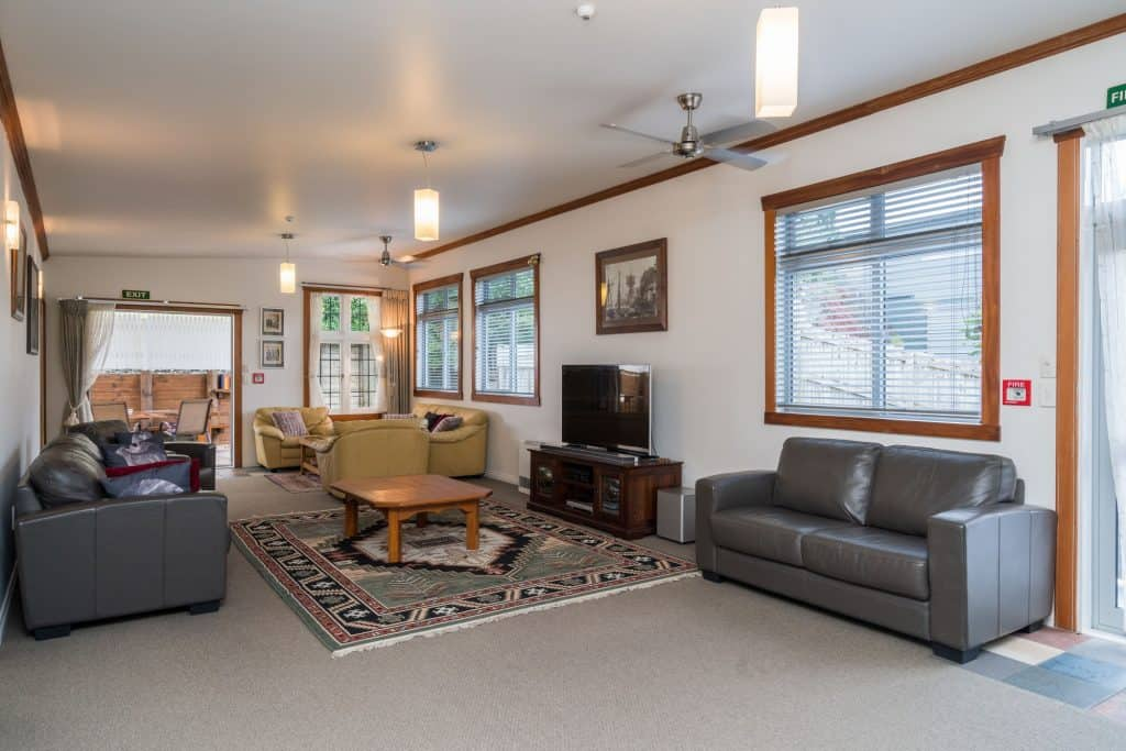 Whangarei Accommodation Shared Lounge